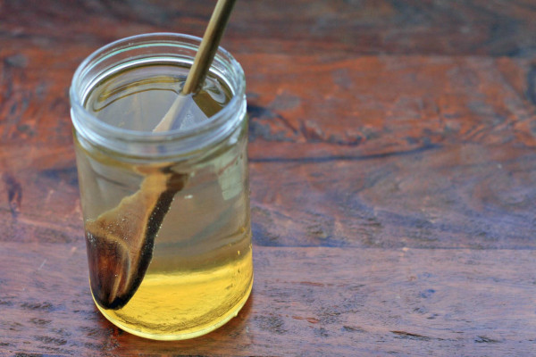 Experience the Healing Power of Honey Water