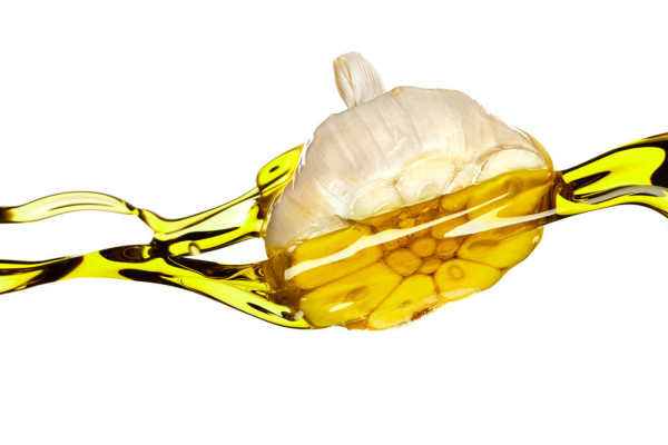 Garlic Oil - Miraculous Natural Remedy That Eliminates Joint Pain
