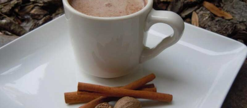overnight weight loss drink - milk and nutmeg